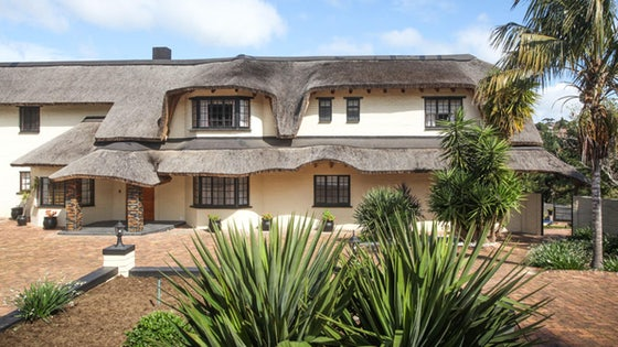 Winelands Villa Guesthouse & Cottages